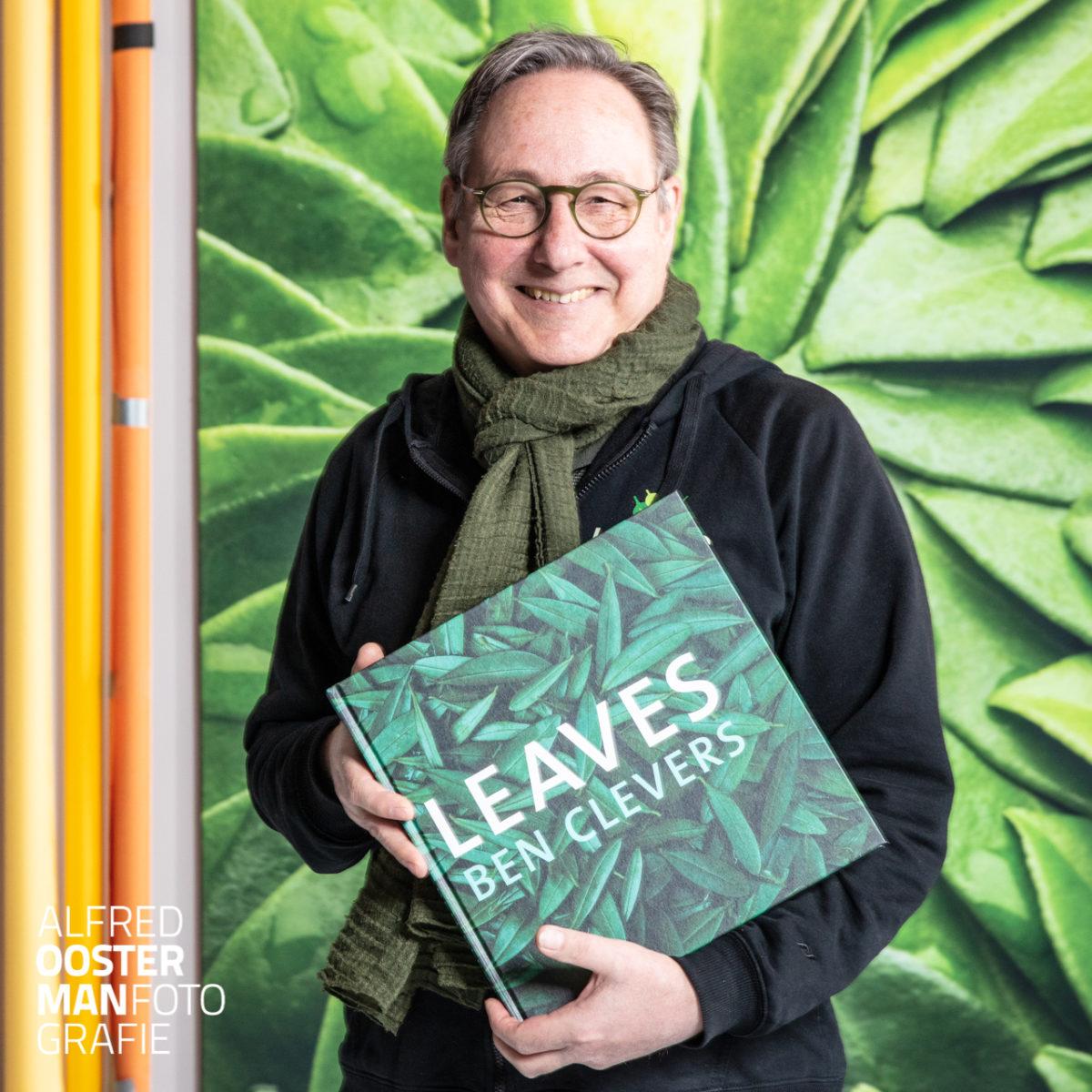 Leaves, het boek.